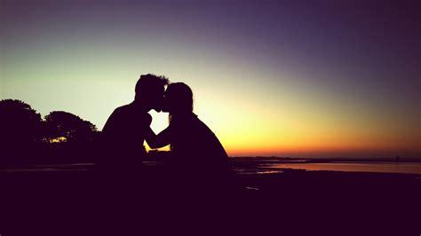 wallpaper kiss couple sunset romantic hd love