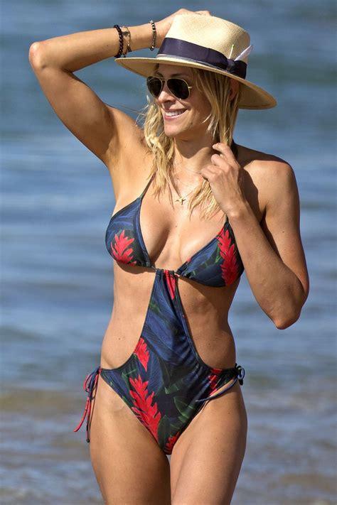 Emma Watson Wallpaper Hd Brittany Cynthia Daniel On The Beach In Hawaii Celebzz