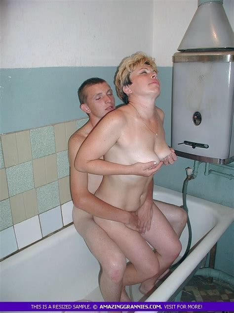 Old Russian Mature Seduced A Boy In Bathroom Pichunter