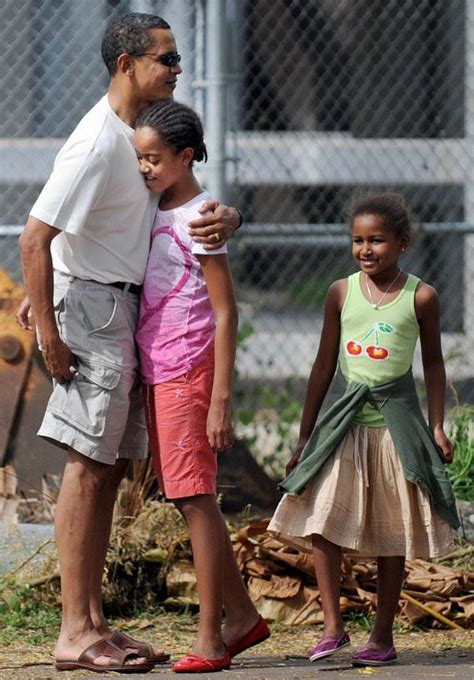 Malia And Sasha Obama's First Day Of School At Sidwell