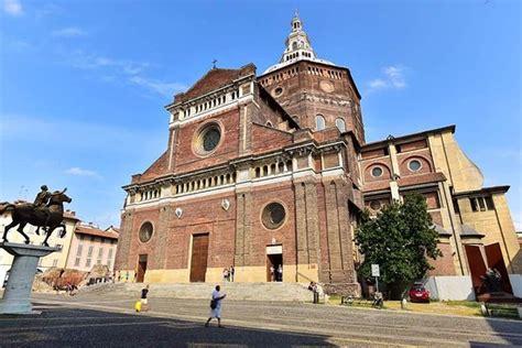 Piazza Duomo Pavia by Duomo Di Pavia Picture Of Duomo Di Pavia Pavia