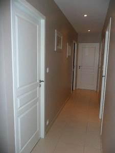 Peindre Couloir Deux Couleurs : couloir couloir d co maison et d corations ~ Preciouscoupons.com Idées de Décoration