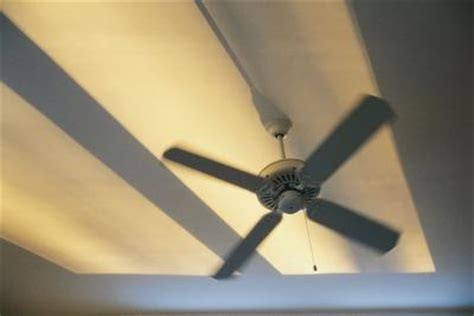 ceiling fan electrical humming noise what could be wrong with the ceiling fan if the pull chain