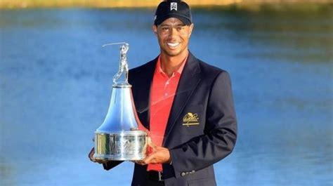 Tiger Woods remporte sa première victoire officielle ...