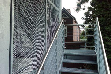 Stahltreppen Fuer Innen Und Aussen by Edelstahl Treppen Edelstahl Gel 228 Nder Edelstahl Balkone