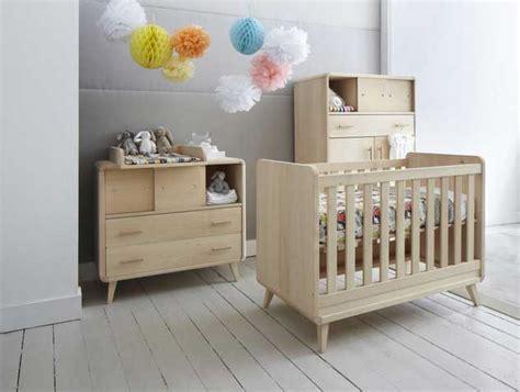 chambre bébé en bois lit bebe zinezoe