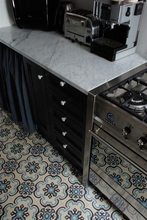 carrelage ancien cuisine contraste carrelage ancien et cuisine moderne my