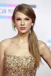 Taylor Swift named Biggest Money-Maker of 2011 by Billboard  Taylor