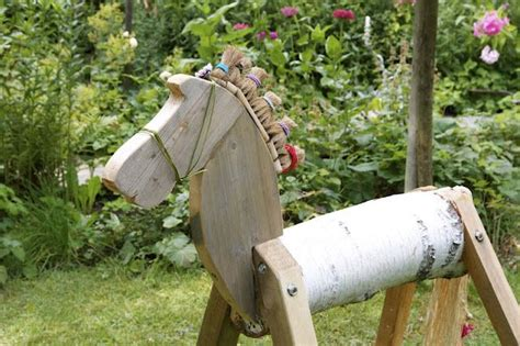 pferd aus birkenstamm holz pferd holzpferd garten