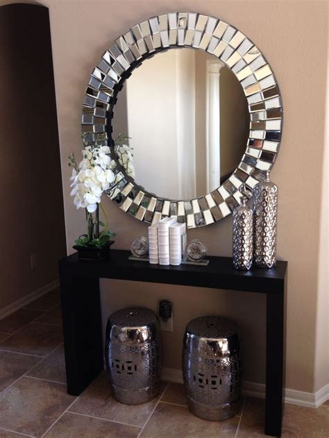 Decorating Ideas Around A Mirror by 25 Best Ideas About Silver Console Table On