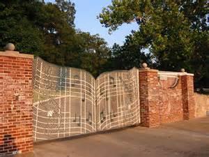Elvis Presley Graceland Gate