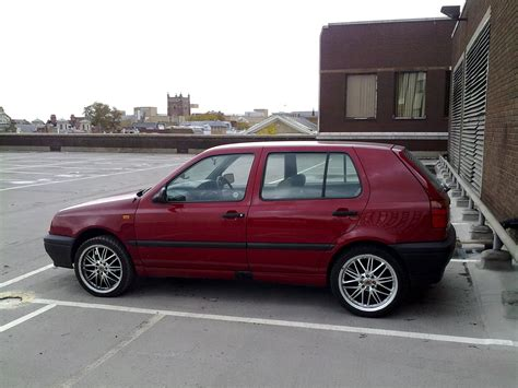 Uknownasian 1993 Volkswagen Golf Specs, Photos