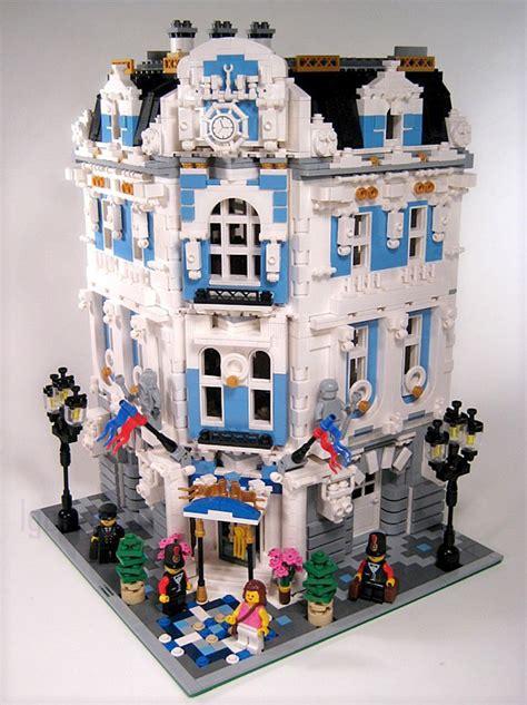 The International Hotel, A Cool Lego Modular Building