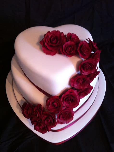 heart shaped wedding cake  hand  roses wedding wishes pinterest wedding hands