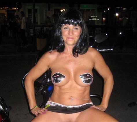 Nude Amateur On Heels Cheri At Fantasy Fest December