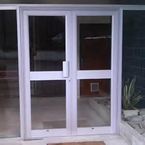 porte d entr 233 e en aluminium ou pvc avec panneaux 233 paisseur