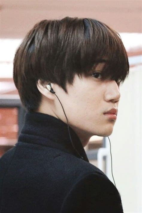 unstyled hair  turtle necks   fave  exo