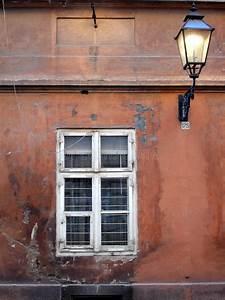 Fenster Preise Kroatien : altes fenster und laterne stockfoto bild von laterne ~ Michelbontemps.com Haus und Dekorationen