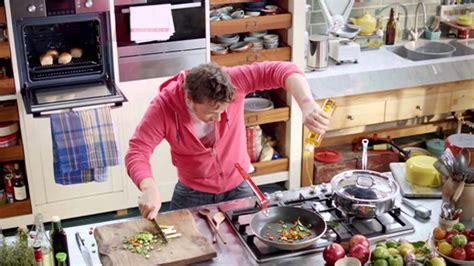 cuisine tv oliver 30 minutes oliver s 15 minute meals trailer
