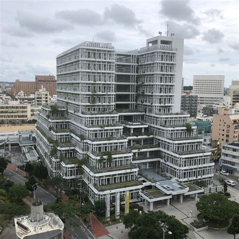 [building] Naha city hall by Kisho Kurokawa : architecture