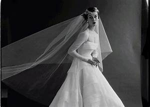 History of the wedding dress and what it symbolizes for Origin of white wedding dress