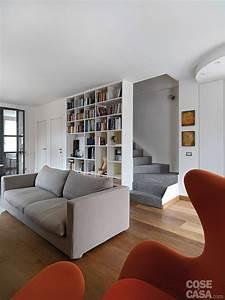 Una Casa Con Zona Giorno Open Space E Camera Sottotetto