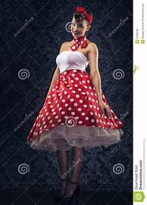 Was Ist Retro Style : vintage style woman is the vintage room in polka dots clothes stock photo ~ Markanthonyermac.com Haus und Dekorationen