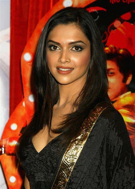 Indian Actress Deepika Padukone Pics And Profile