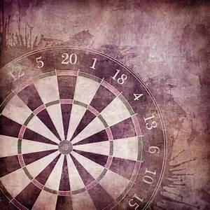 papier peint darts board o pixersr nous vivons pour changer With kitchen cabinets lowes with jeux de role papier