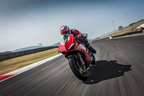 Ducati Panigale 4k Wallpapers by Wallpaper Ducati Panigale V4 S 2018 Bikes 4k Cars