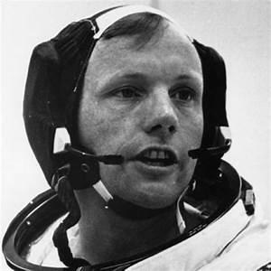 Neil Armstrong - Pilot, Explorer, Astronaut - Biography.com