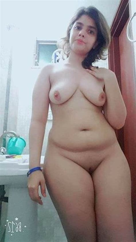 Indian Married Women Showing Her Big Tits And Pussy