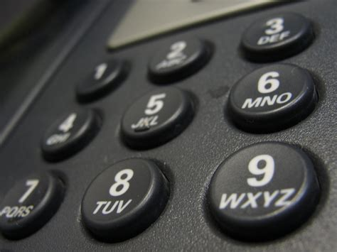 automated phone call from irs bbb warns of persistent phone scam using irs name
