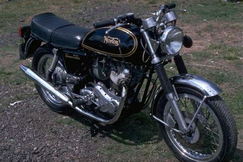 Norton Commando 750 Interstate Specs