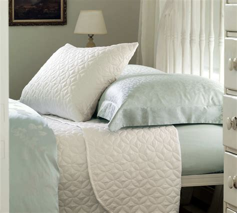 Coverlet Or Duvet by Nancy Koltes Bedding Savoy Sateen Coverlet And Shams