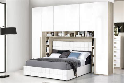 armadio  ponte camere da letto spaziose  organizzate