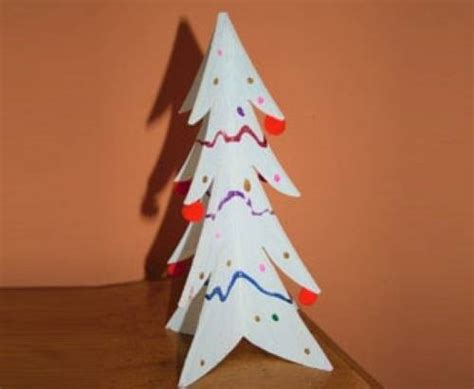 basteln mit kindern kostenlose bastelvorlage advent winter und weihnachten holz weihnachtsbaum