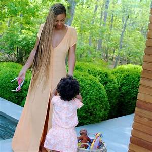 Beyonce Instagrams Knee-Length Box Braid Pics – The Style ...