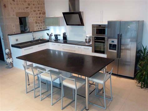 table plan de travail cuisine réalisation d 39 évier et plan de travail pour votre cuisine
