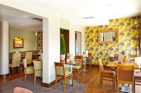 thym cuisine 10 restaurants near sandman signature gatwick hotel