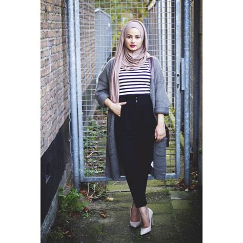 907 best images about everyday college hijabi style on Pinterest   Hijab street styles Hashtag ...