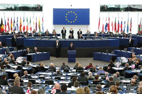 si鑒e parlement europ馥n meps in dispute political sizes