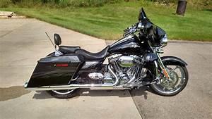 2012 Harley-Davidson® FLHXSE3 CVO™ Street Glide® (Black ...