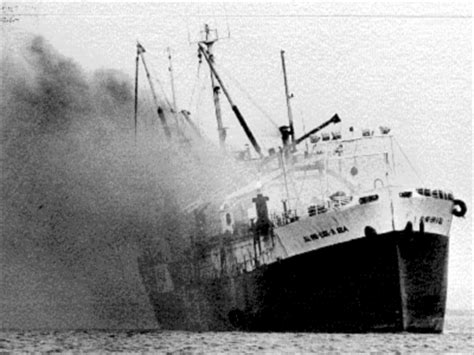 Sinking Boat Gif by The Al Ind Esk A Sea Historical Archives