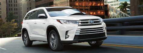 toyota highlander 2017 white learn about the stop and start engine system in the 2017