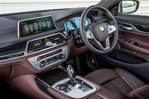 Bmw Series 7 Interior by Bmw 7 Series Saloon 2015 Features Equipment And