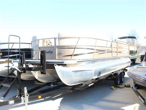 Used Pontoons by All Pontoons New And Used Pontoon Boats For Sale Sell