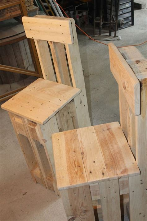 fabrication d une chaise en bois les 25 meilleures idées de la catégorie tabouret de