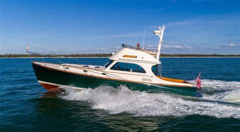 Hinckley Power Boats by 2007 Hinckley 44 Talaria Flybridge Power Boat For Sale