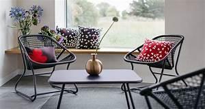 Fermob Salon De Jardin : sixties armchair for outdoor living space ~ Teatrodelosmanantiales.com Idées de Décoration